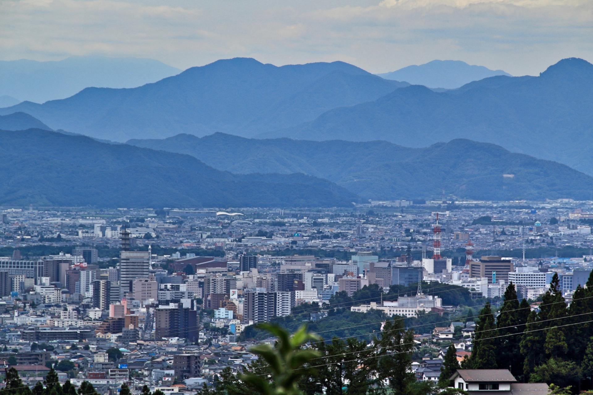 長野県内で処分に困るお仏壇・仏具の処分費用相場~最も安く処分する方法