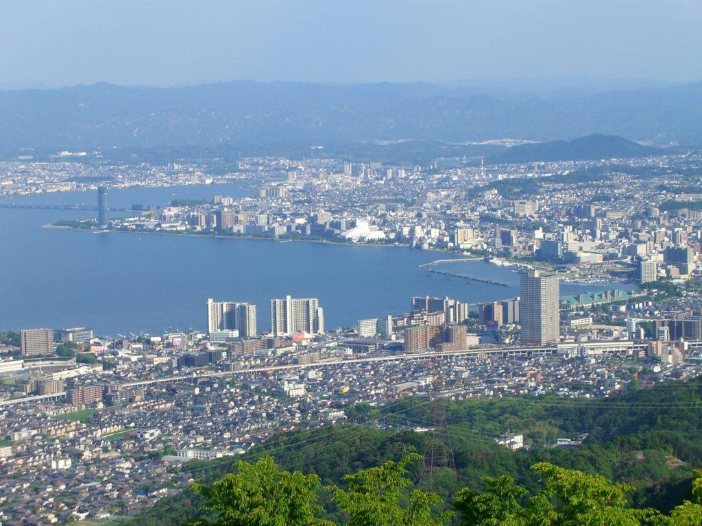 滋賀県内で処分に困るお仏壇・仏具の処分費用相場~最も安く処分する方法