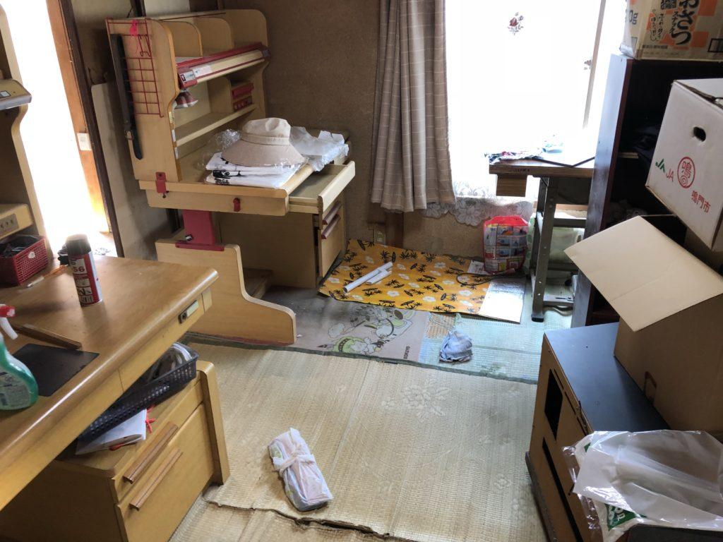 引っ越し後に残った大型家具の回収!回収費用が予想以上に抑えられ、お喜びいただけました。