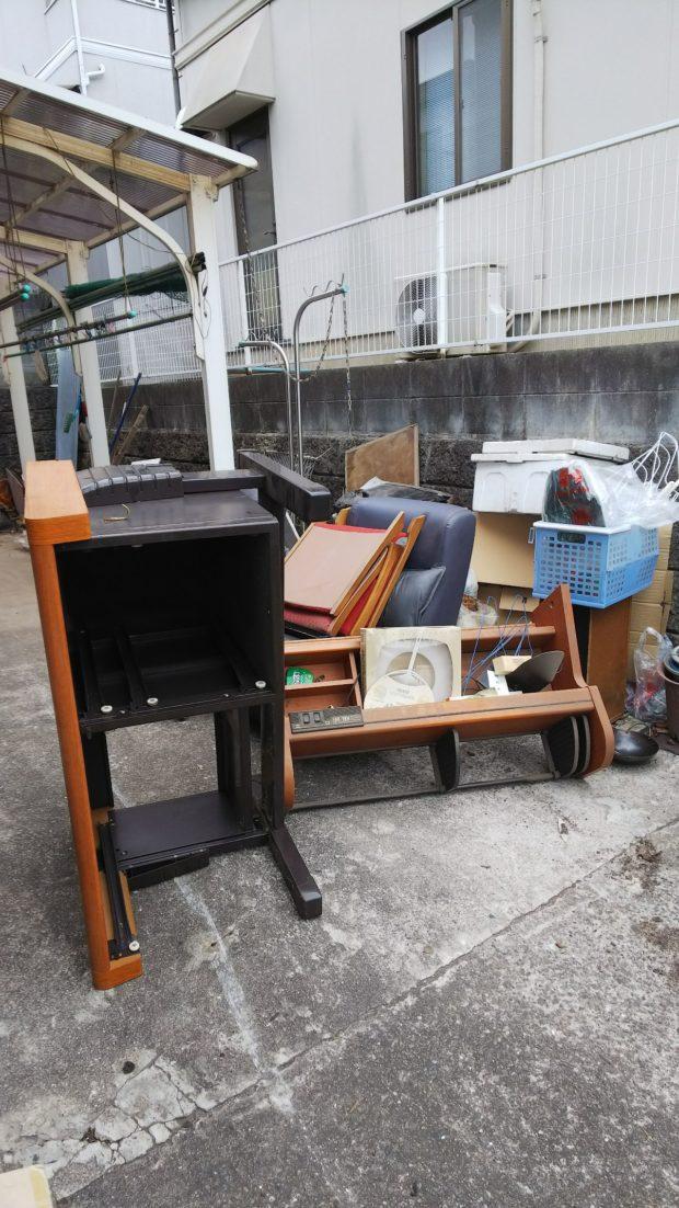 学習机や犬小屋など、大きな不用品の回収!希望日での回収に時間のないお客様に喜んでいただけました。