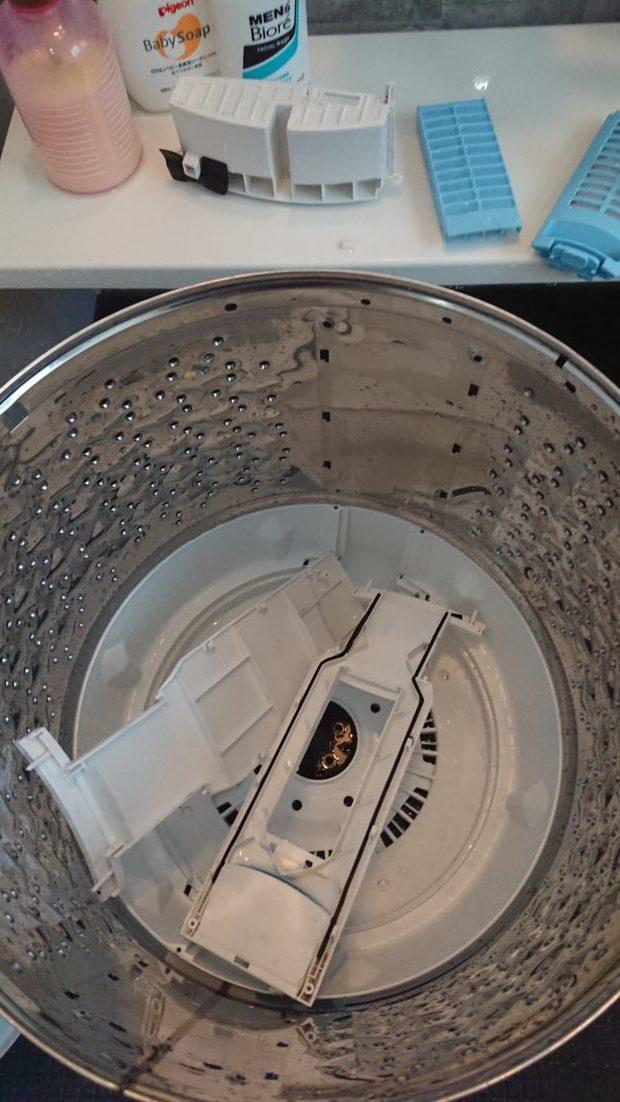 【松山市福音寺町】洗濯機のクリーニング☆新品のような仕上がりに喜んでいただけました。