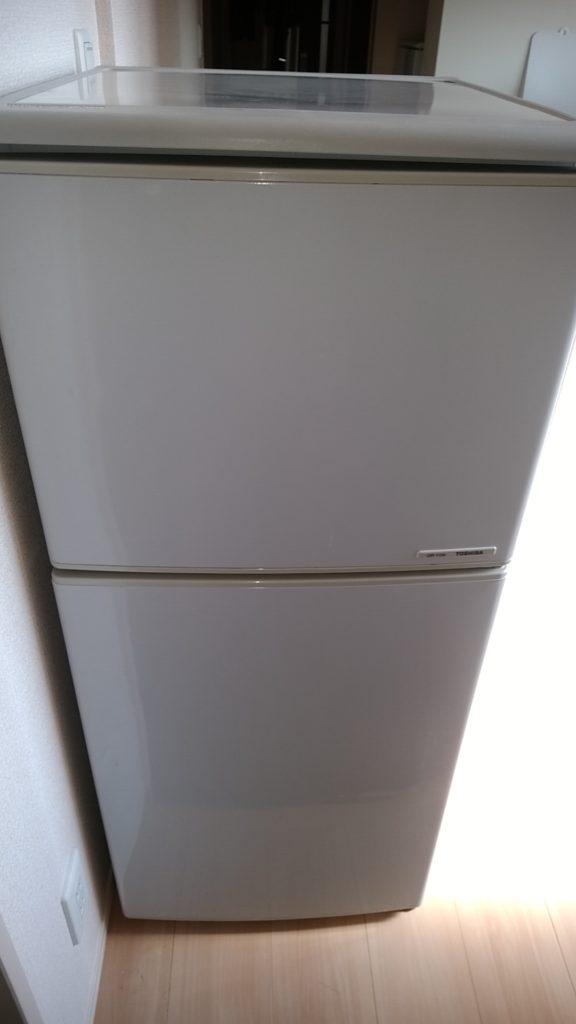 118L冷蔵庫、アパート1階より作業員1名で搬出処分