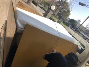 【千葉市美浜区】クイーンベッドなどの回収♪日程の変更にも柔軟に対応することができ、ご満足いただくことができました!