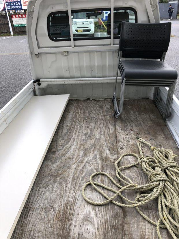 【長浜市平方町】机、椅子の回収☆「リピーター割引」の適用で料金が安くなりお喜びいただけました!