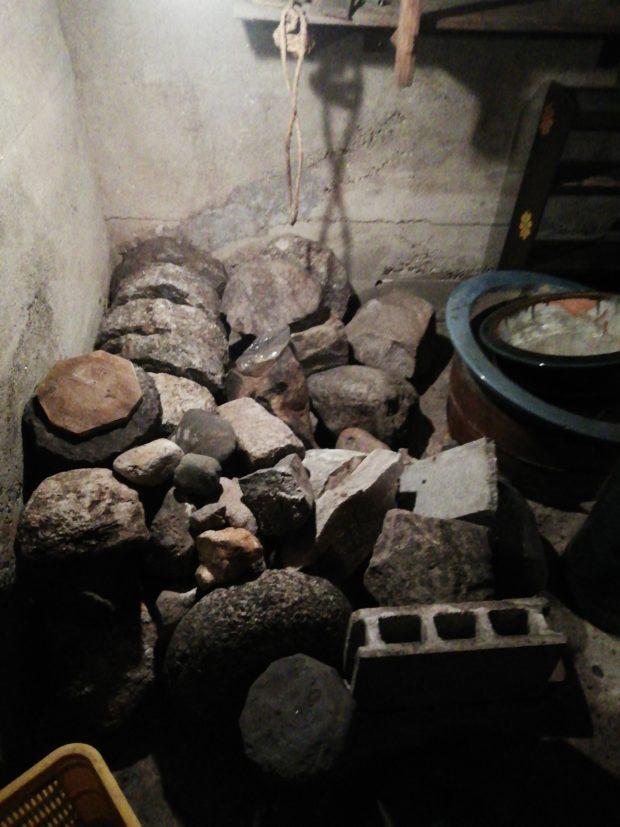 【奈良市元林院町】漬物石の処分☆地下室がすっきりと片付きご満足いただけました!
