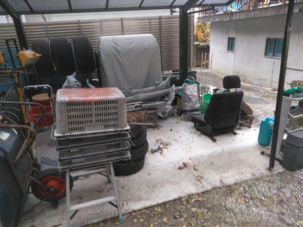 【宇和島市吉田町】ソファー、学習机など軽トラック1台程度の不用品回収☆「WEB割引」で料金が安くなりお喜びいただけました!