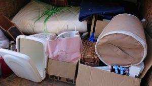 マットレスなど不用品の回収☆軽トラ積み放題パックで階段作業にも対応できました!