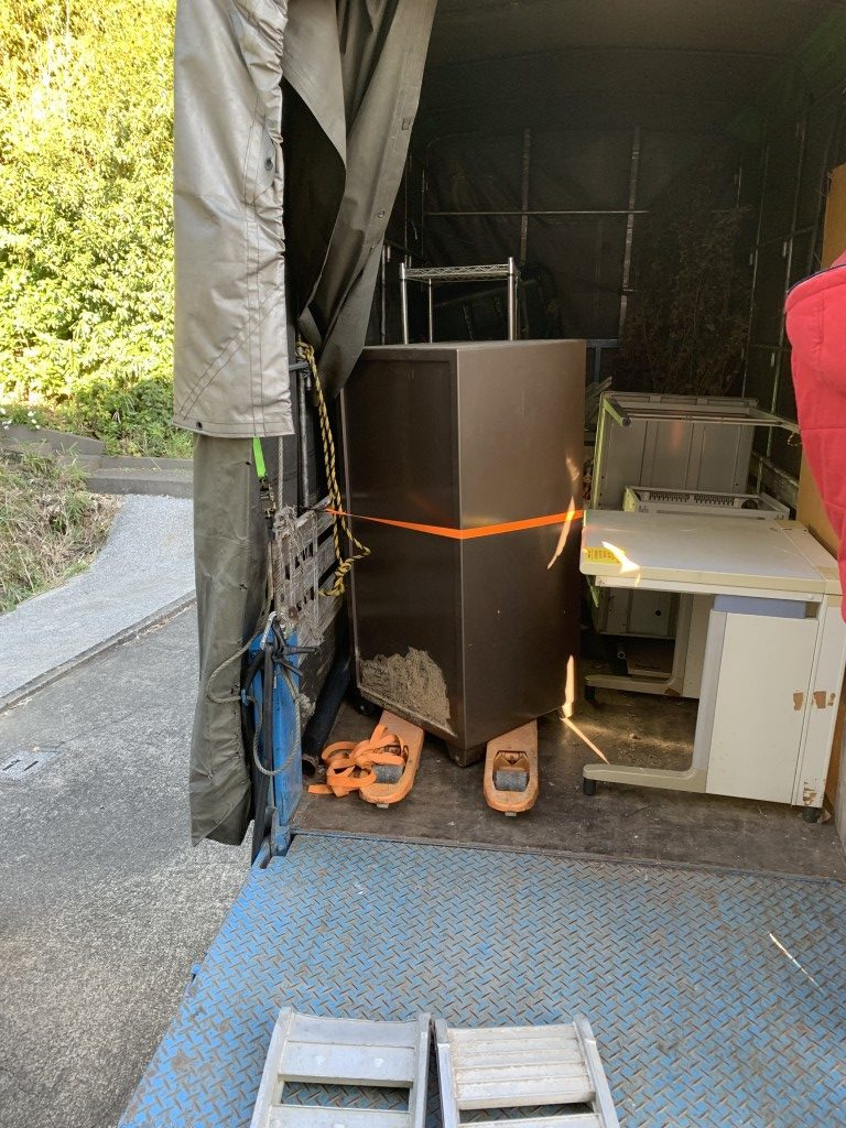 【宮崎市】大型金庫の処分☆重たい金庫も回収できてご満足いただけました!