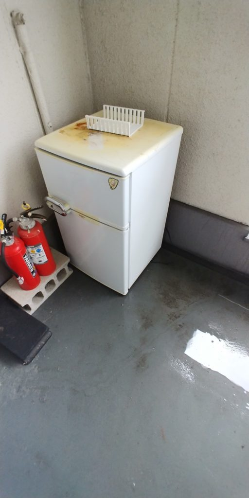 【富山市】冷蔵庫の回収☆希望日時での対応と、自分で3階から運び出さなくて良いと喜んでいただけました!