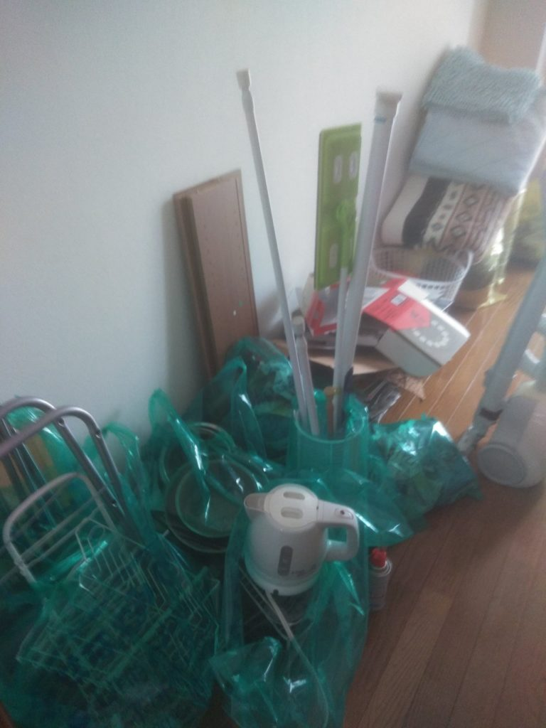 【今治市中日吉町】お引っ越しに伴う不用品回収☆不用品の追加にも対応でき、お引っ越し前に少しでも荷物を減らしたかったお客様に喜んでいただけました!