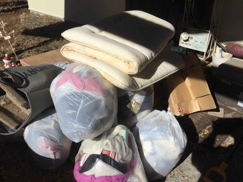 【南佐久郡佐久穂町】軽トラ積みホーダイパック での不用品回収☆一気に処分することができ、とても喜んでいただきました!