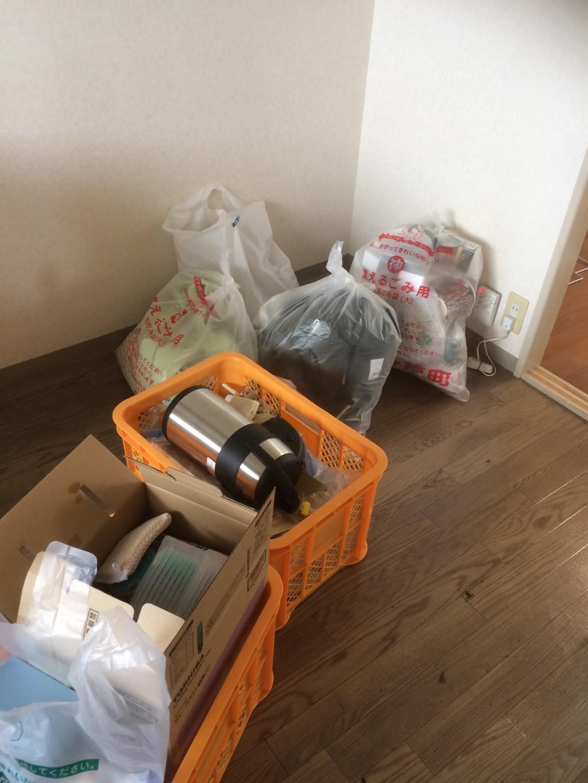 【安八郡神戸町】リサイクル家電の回収やエアコン取り外しのご依頼☆お部屋を綺麗に片付けることができました!