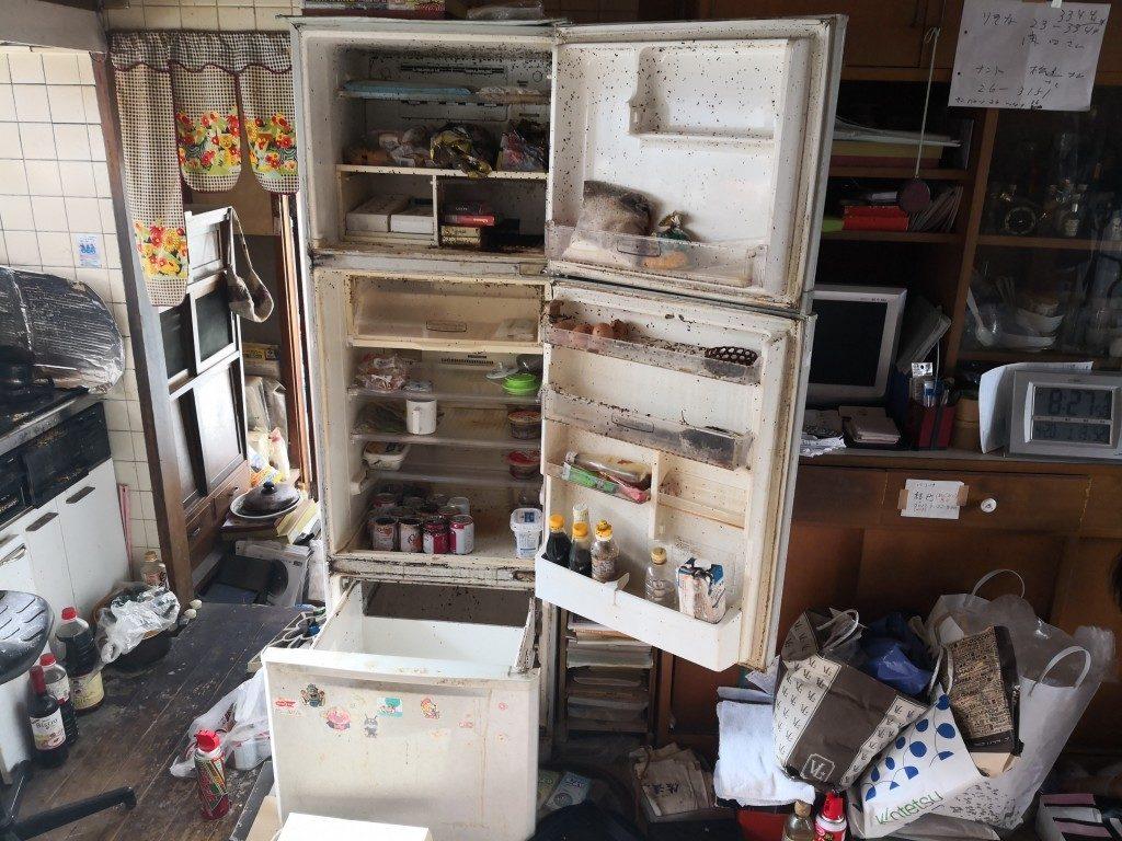 【奈良市芝辻町】冷蔵庫の回収☆虫が発生し処分に困っていたお客様の悩みを解決することができました!
