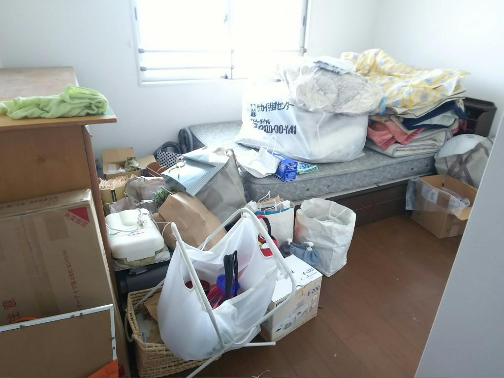 【福山市東深津町】2tトラックいっぱいの不用品処分☆エアコンの取り外しもしてもらえて部屋がすっきりしたとご満足頂けました!