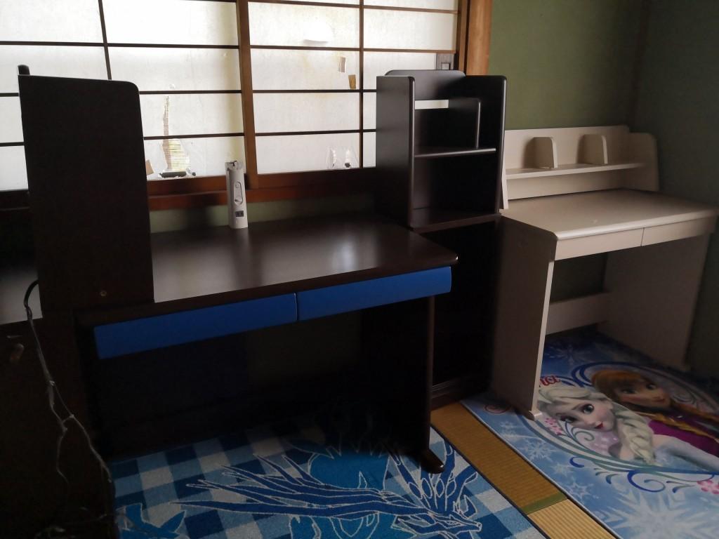 【柏原市山ノ井町】学習机の回収ご依頼☆階段作業もスムーズに運び出し、ご満足いただけました!