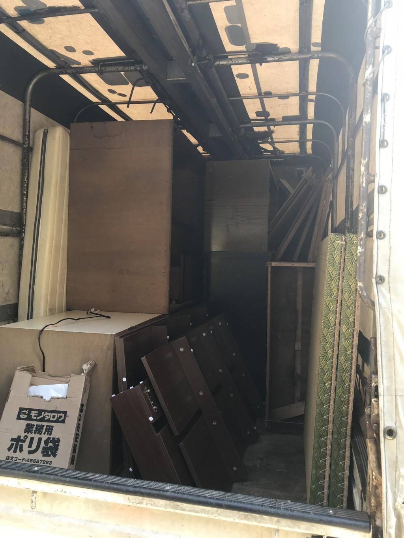 【金沢市大場町】本棚など2tトラック1台程度の不要品回収☆スタッフの丁寧で親切な対応にとても喜んでいただきました!
