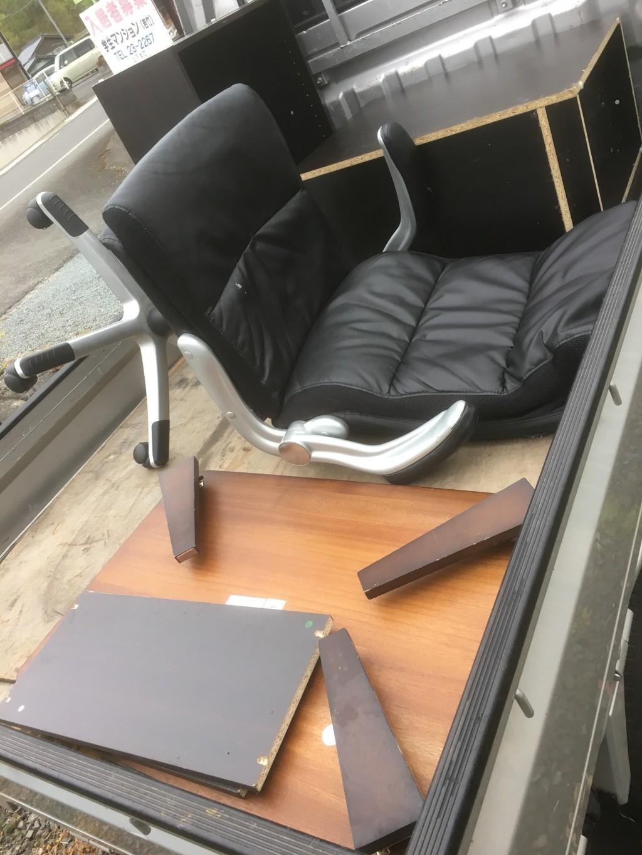 【十日町市】不用品(椅子・学習机・テーブル)の回収