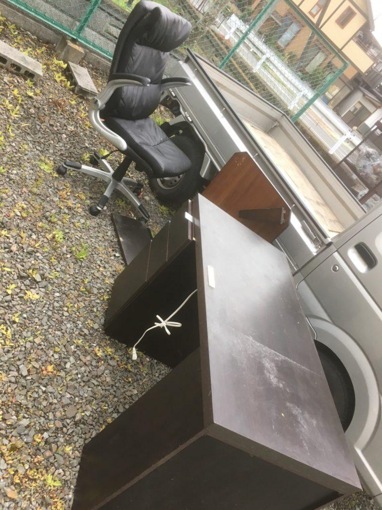 【福知山市丸田ケ丘】不用品(椅子・学習机・テーブル)の回収