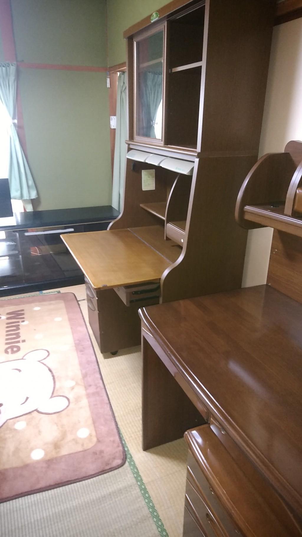 【新居浜市宇高町】本棚、学習机、ラックの回収・処分 お客様の声