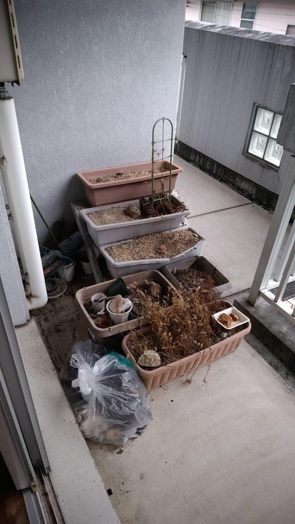【高知市】ベランダのゴミとハウスクリーニングのご依頼 お客様の声