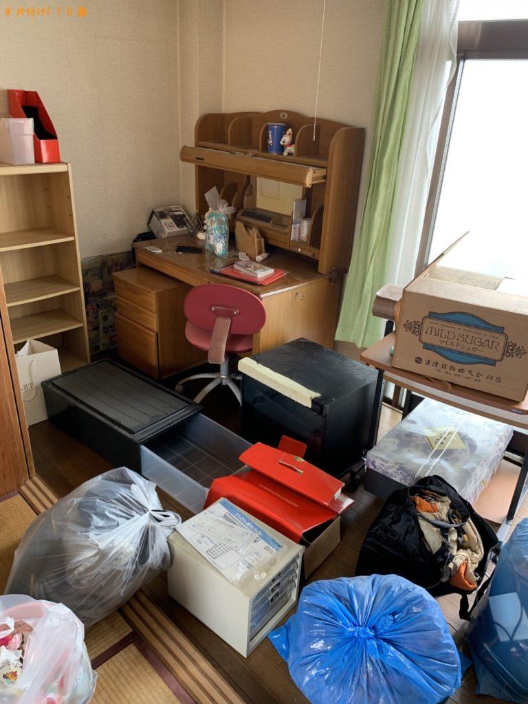 【京都市下京区】学習机、衣装ケース、衣類などの出張不用品回収・処分ご依頼