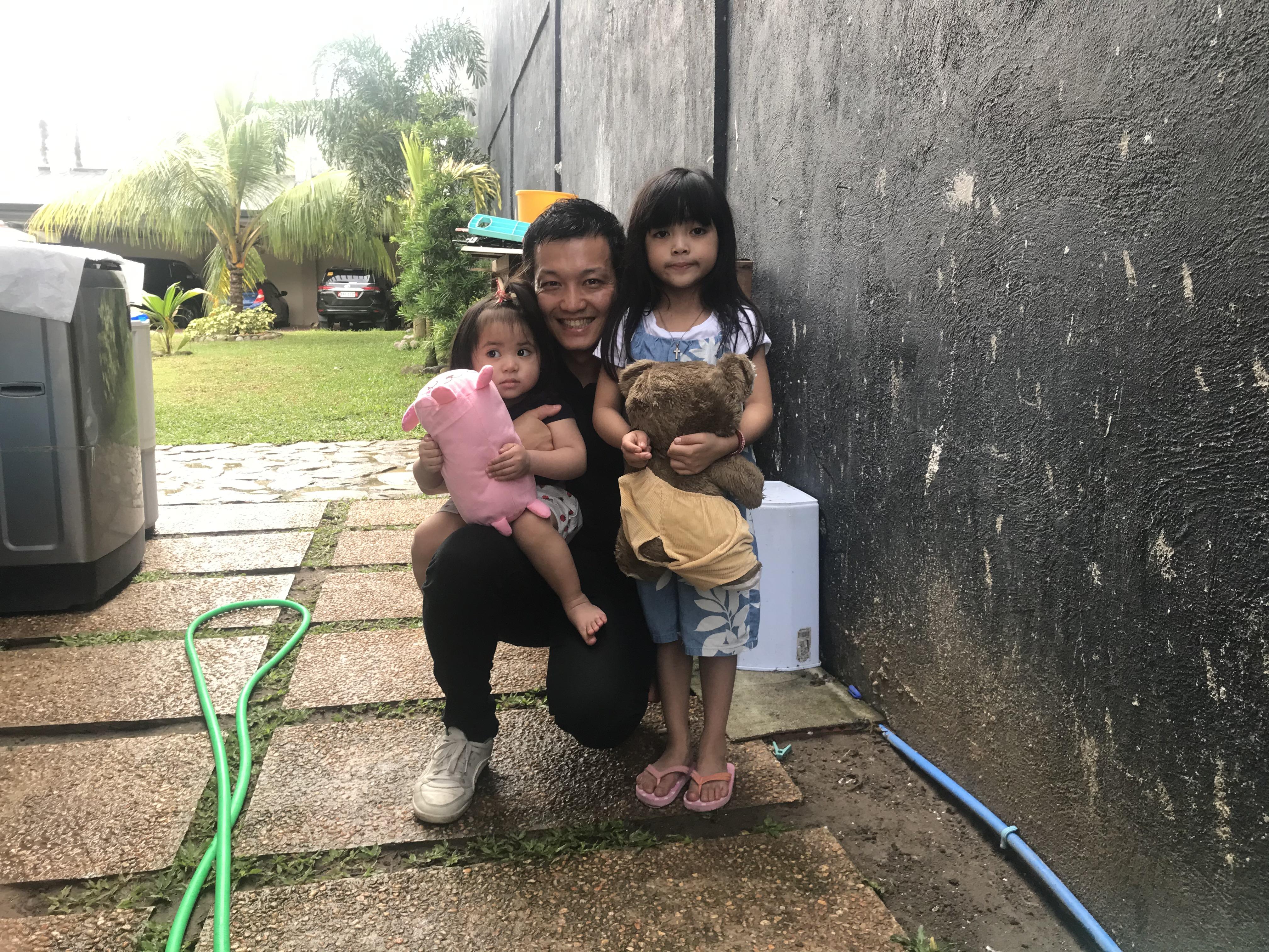 フィリピン現地の子どもに喜んでいただけました!