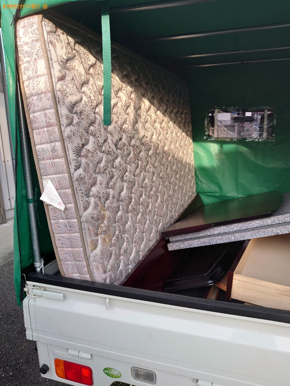 【松山市祇園町】セミダブルベッドの出張不用品回収・処分ご依頼