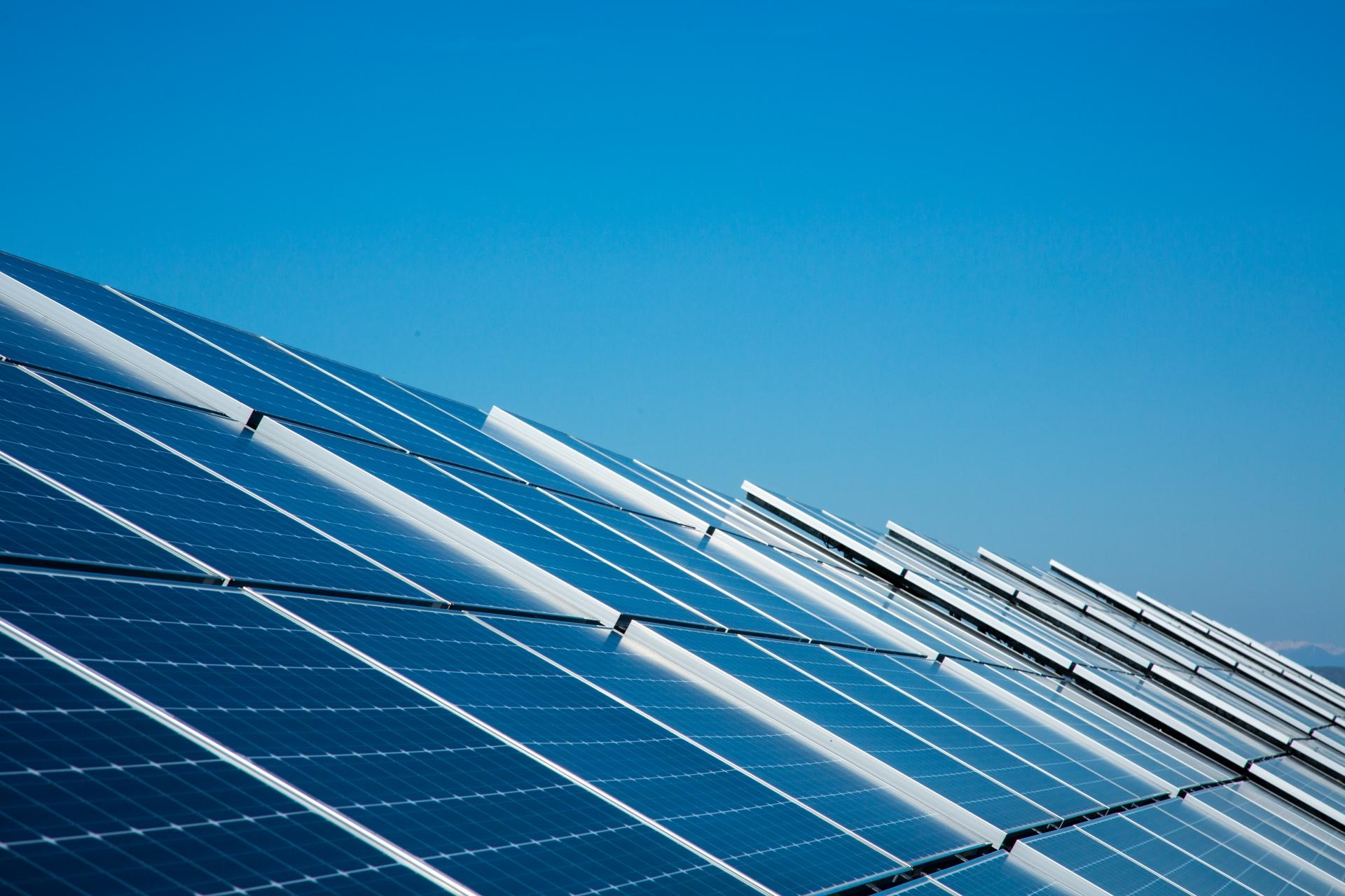 ソーラーパネル洗浄サービス