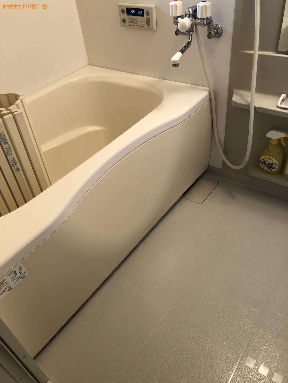床とフローリング、水回り、浴室のハウスクリーニング