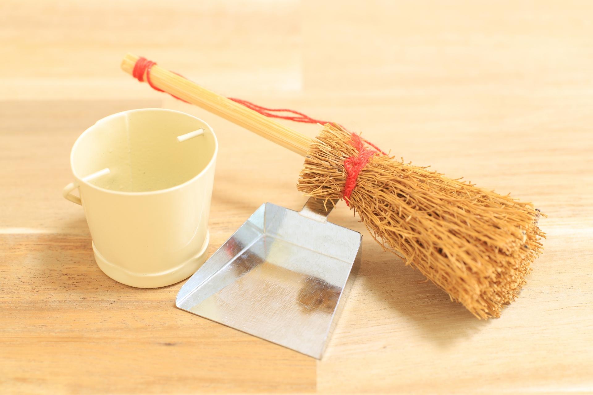 面倒な大掃除!楽にキレイにできる時短法~業者利用のコツ【全知識】